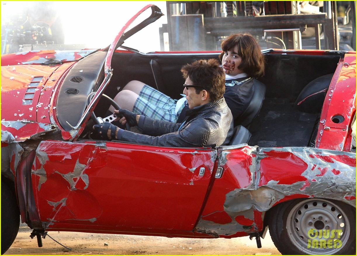 Ben Stiller Films a Car Crash Scene for \'Zoolander 2\' in NYC: Photo ...