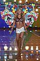 candice swanepoel victorias secret fashion show 2015 09