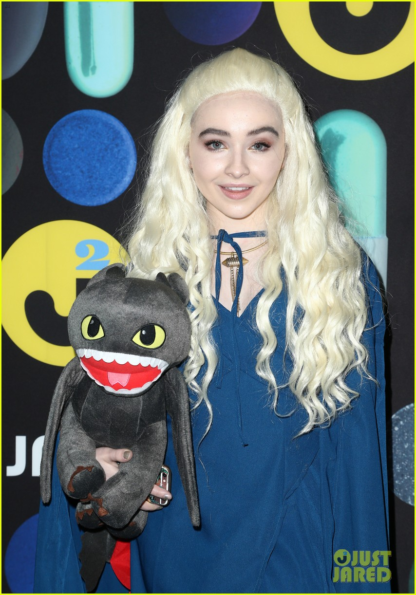 sofia carson just jared halloween party 063497193