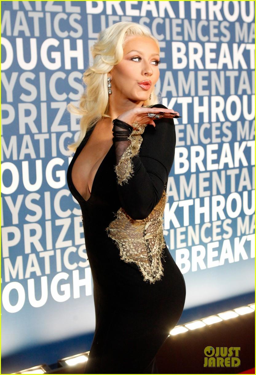 christina aguilera breakthrough prize ceremony 2015 013503529