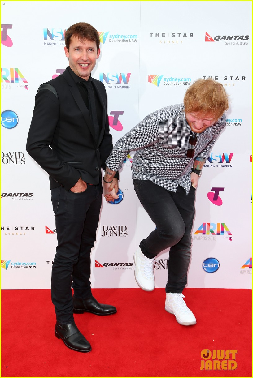 ed sheeran amp james blunt hold hands on aria awards carpet