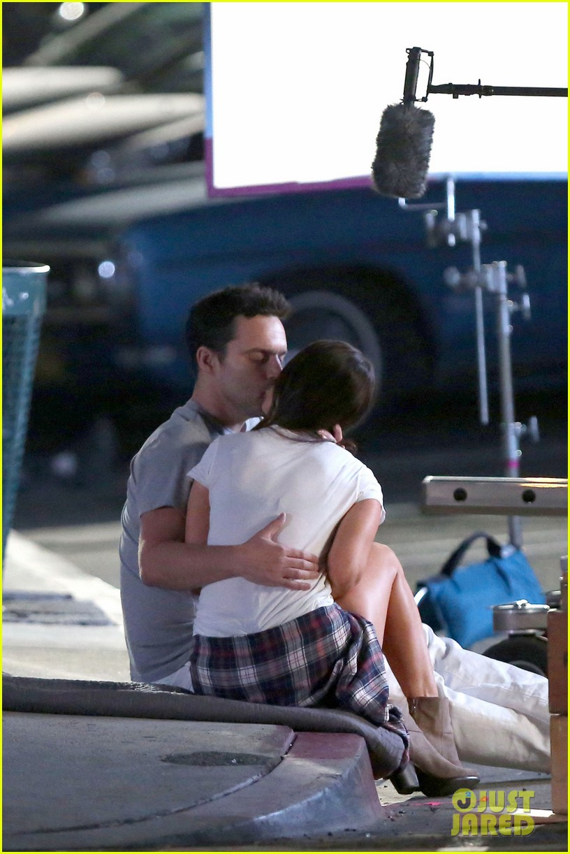 megan fox kisses jake johnson on new girl set photo