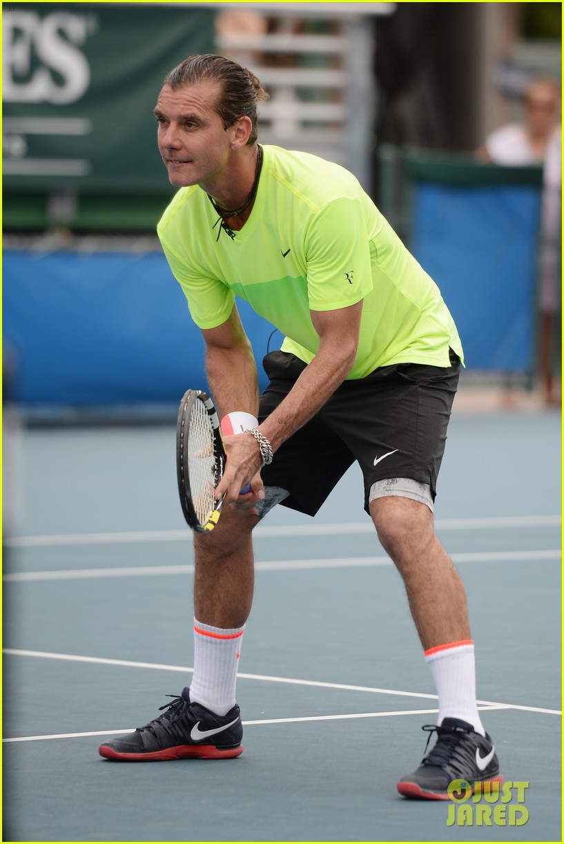 Gavin Rossdale Takes Off His Wedding Ring to Play Tennis Photo