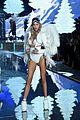 martha hunt stella maxwell victorias secret fashion show 2015 19