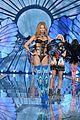 martha hunt stella maxwell victorias secret fashion show 2015 37
