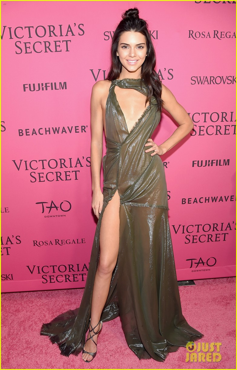 480e8ea4915c1 Kendall Jenner   Gigi Hadid Celebrate at VS After Party with Selena Gomez