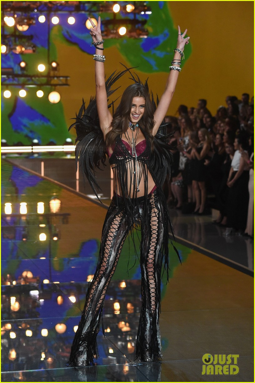 6f066f7ab42 Kendall Jenner   Gigi Hadid Make Their Victoria s Secret Fashion Show Runway  Debut!