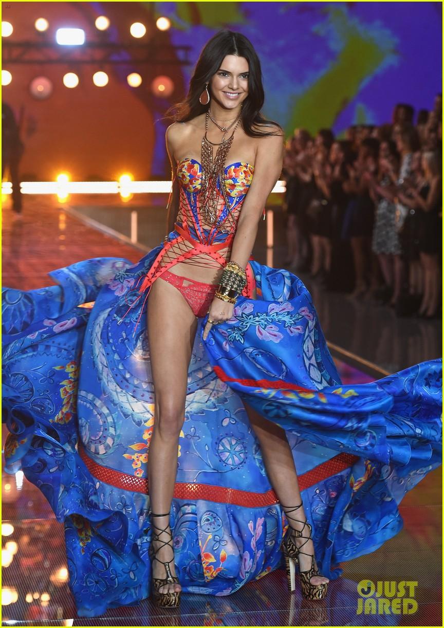 kendall jenner gigi hadid victorias secret fashion show 2015 183505255