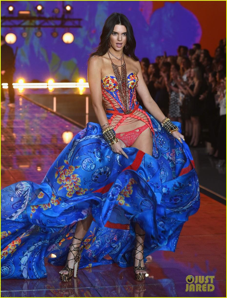 kendall jenner gigi hadid victorias secret fashion show 2015 273505264