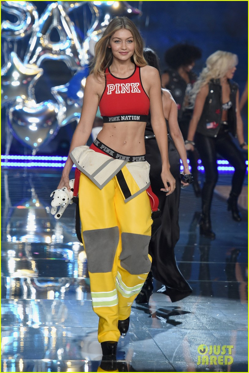 kendall jenner gigi hadid victorias secret fashion show 2015 343505271