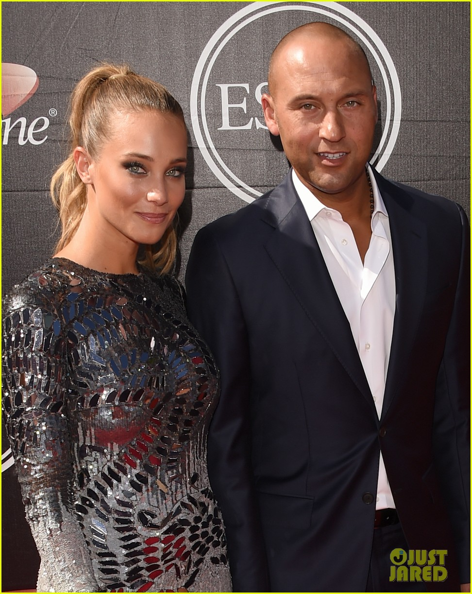 derek jeter confirms hes engaged to hannah davis 043498911