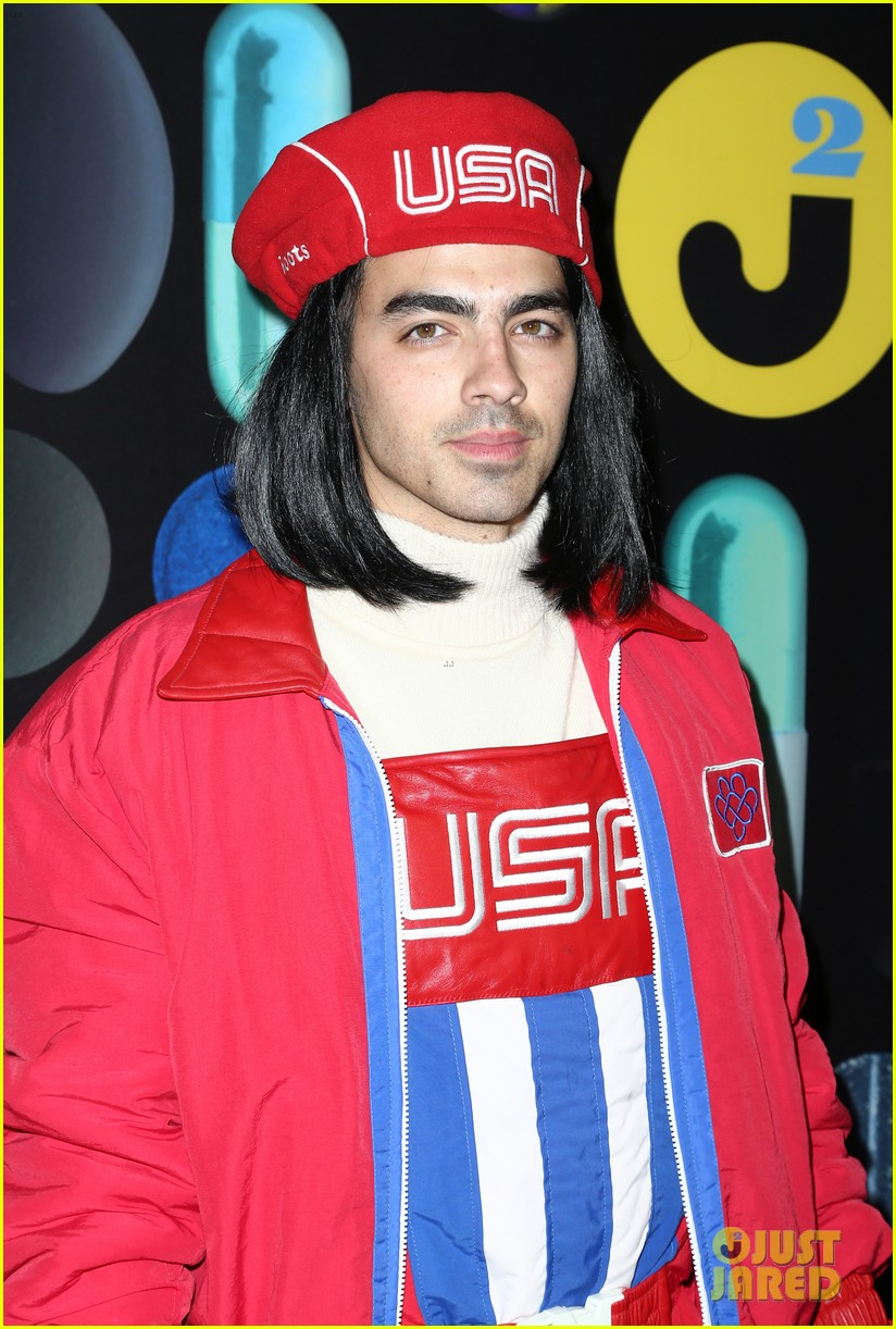 joe jonas wilmer valderrama hang out at just jareds halloween party photo 3497305 2015 halloween 2015 just jared halloween party brant daugherty - Joe Jonas Halloween