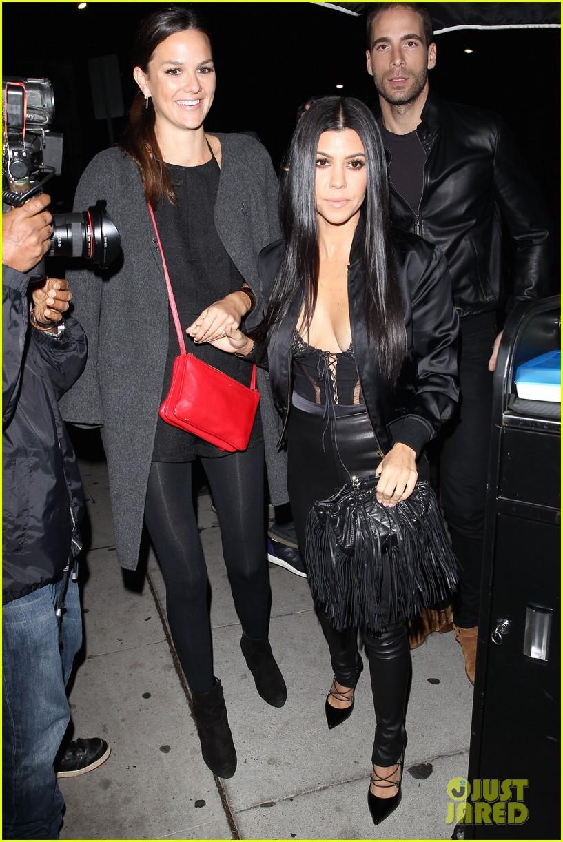 Kim Kourtney Khloe Kardashian Celebrate Kendall Jenners Th Birthday With The Family