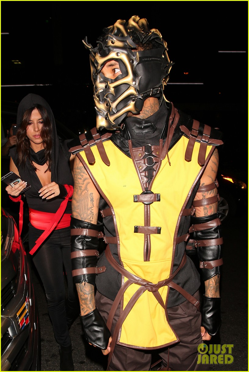 Kylie Jenner Shows Off Her Sexy Xena Costume for Halloween: Photo ...
