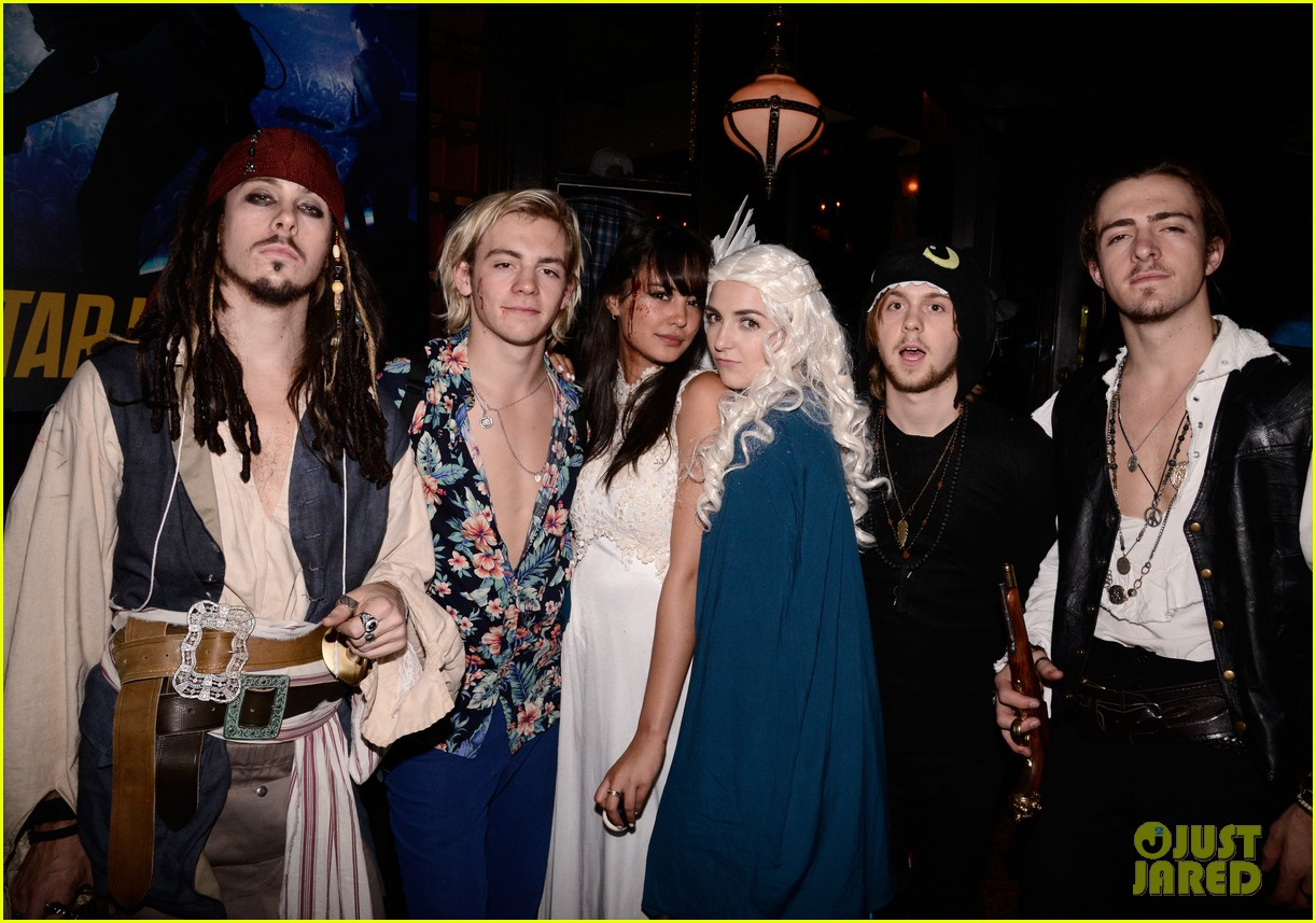 Together and courtney back lynch ross eaton Courtney Eaton