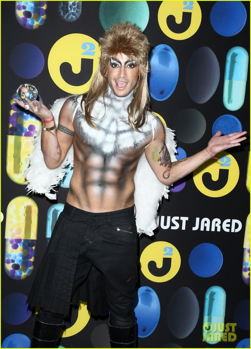 Cameron Monaghan & Frankie Grande Go Shirtless at Just Jared's ...