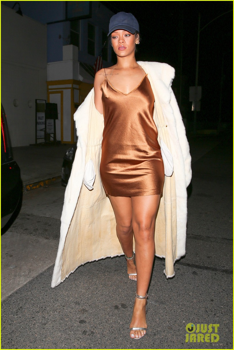 rihanna stuns in short gold dress 083507026
