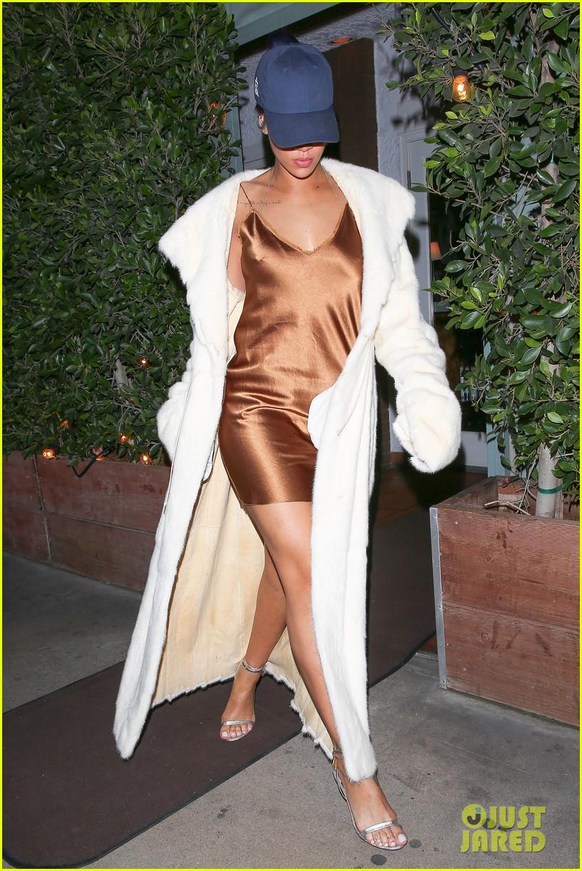 rihanna stuns in short gold dress 213507039