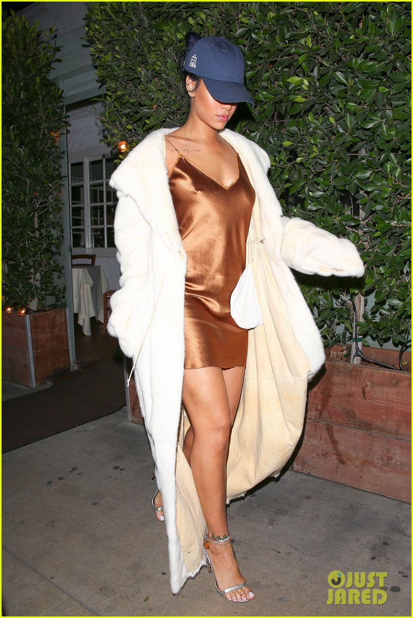 rihanna stuns in short gold dress 223507040