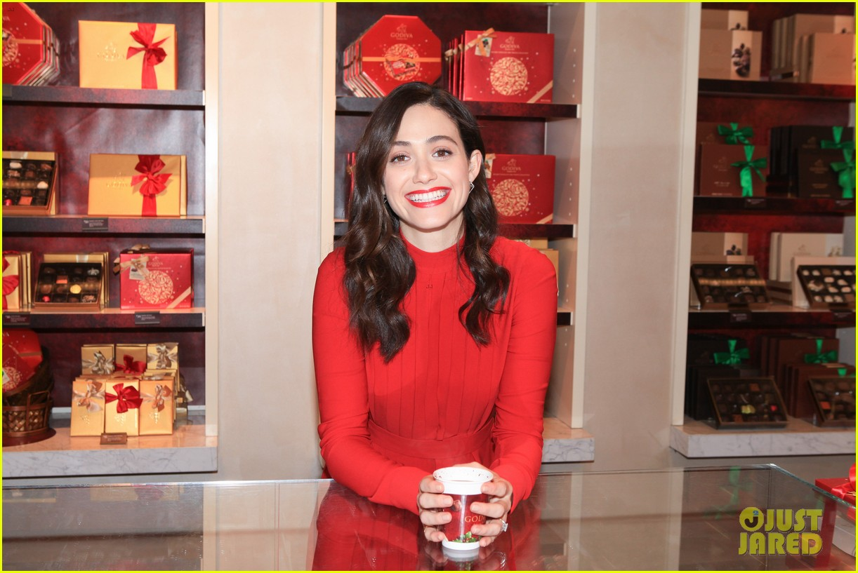 emmy rossum hosts hot chocolate for a cause benefit 023519038