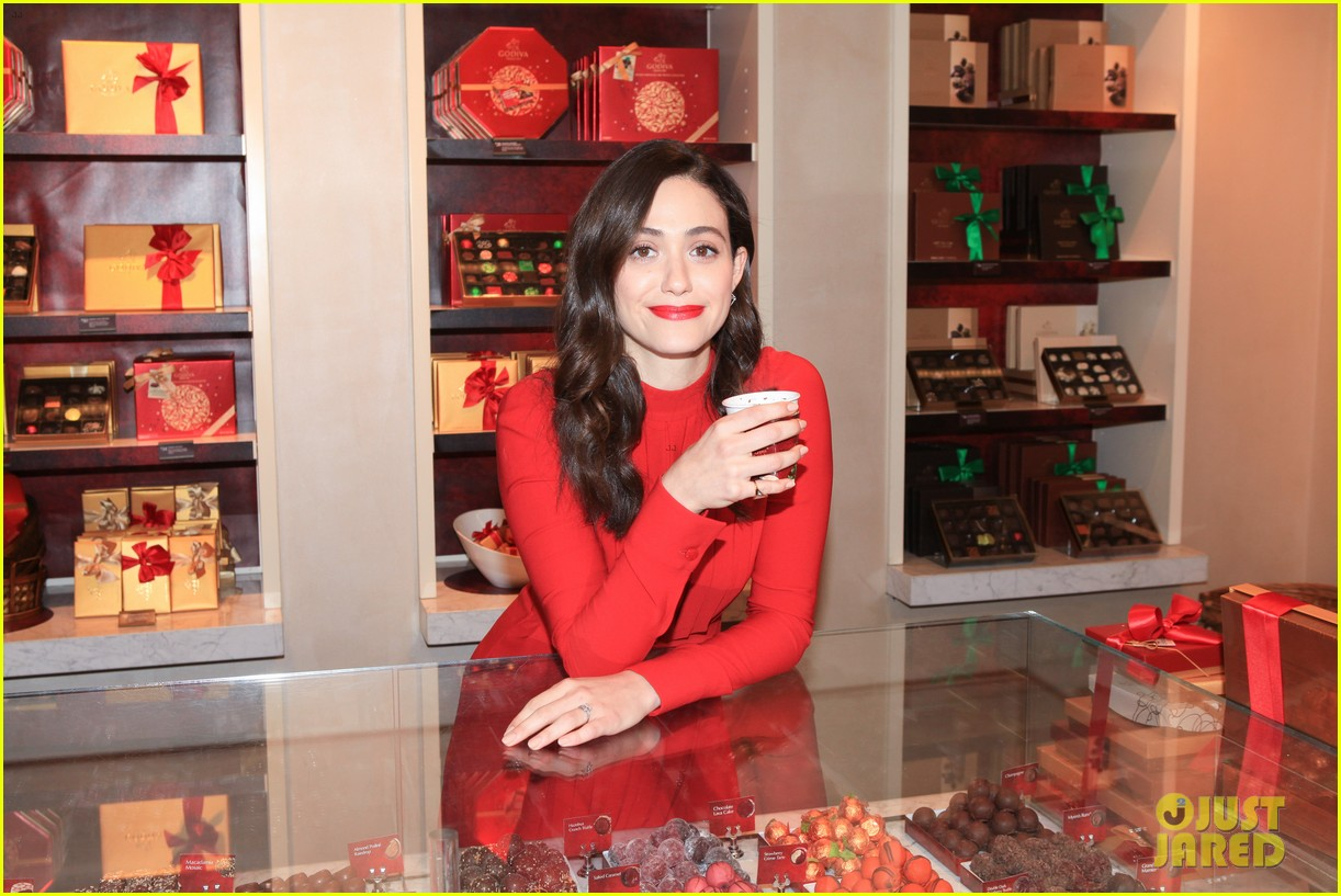 emmy rossum hosts hot chocolate for a cause benefit 053519041
