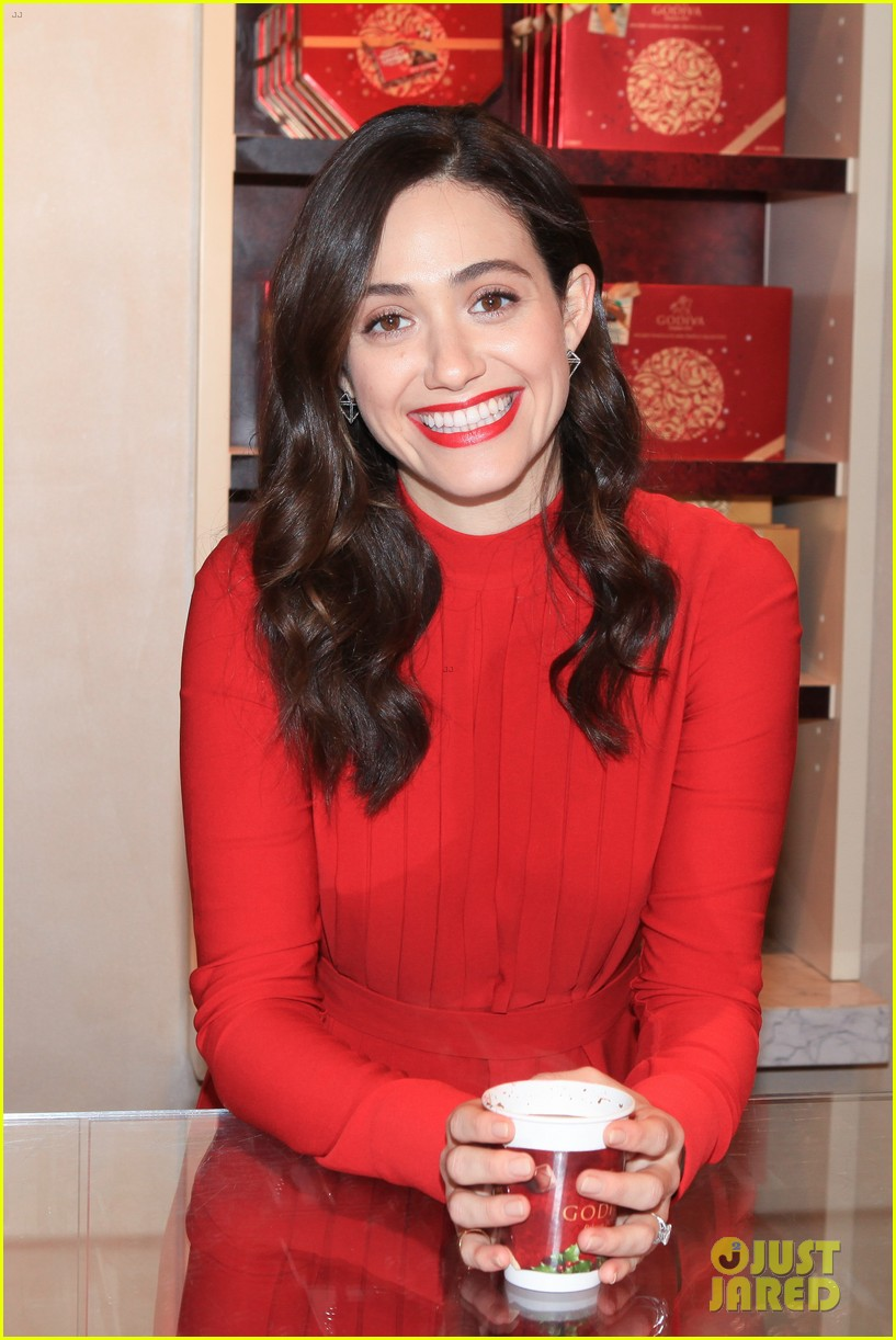 emmy rossum hosts hot chocolate for a cause benefit 073519043