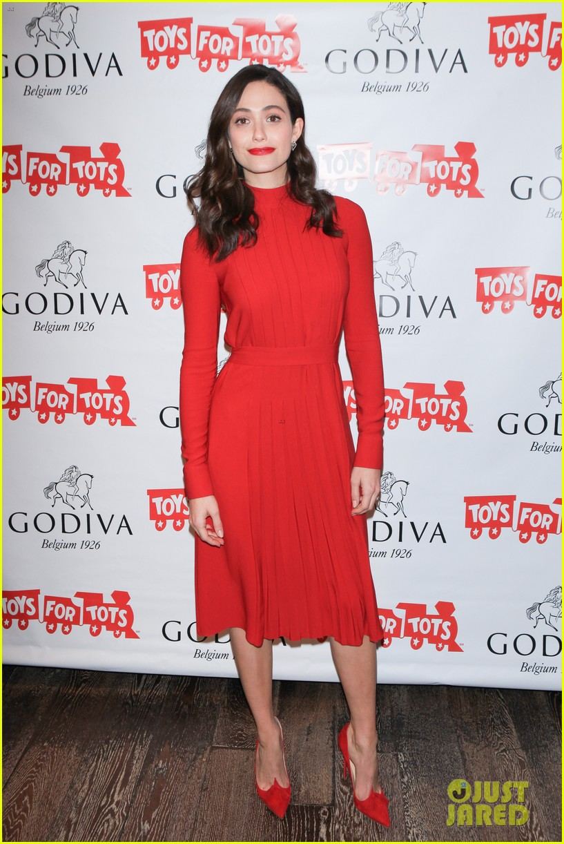 emmy rossum hosts hot chocolate for a cause benefit 103519046