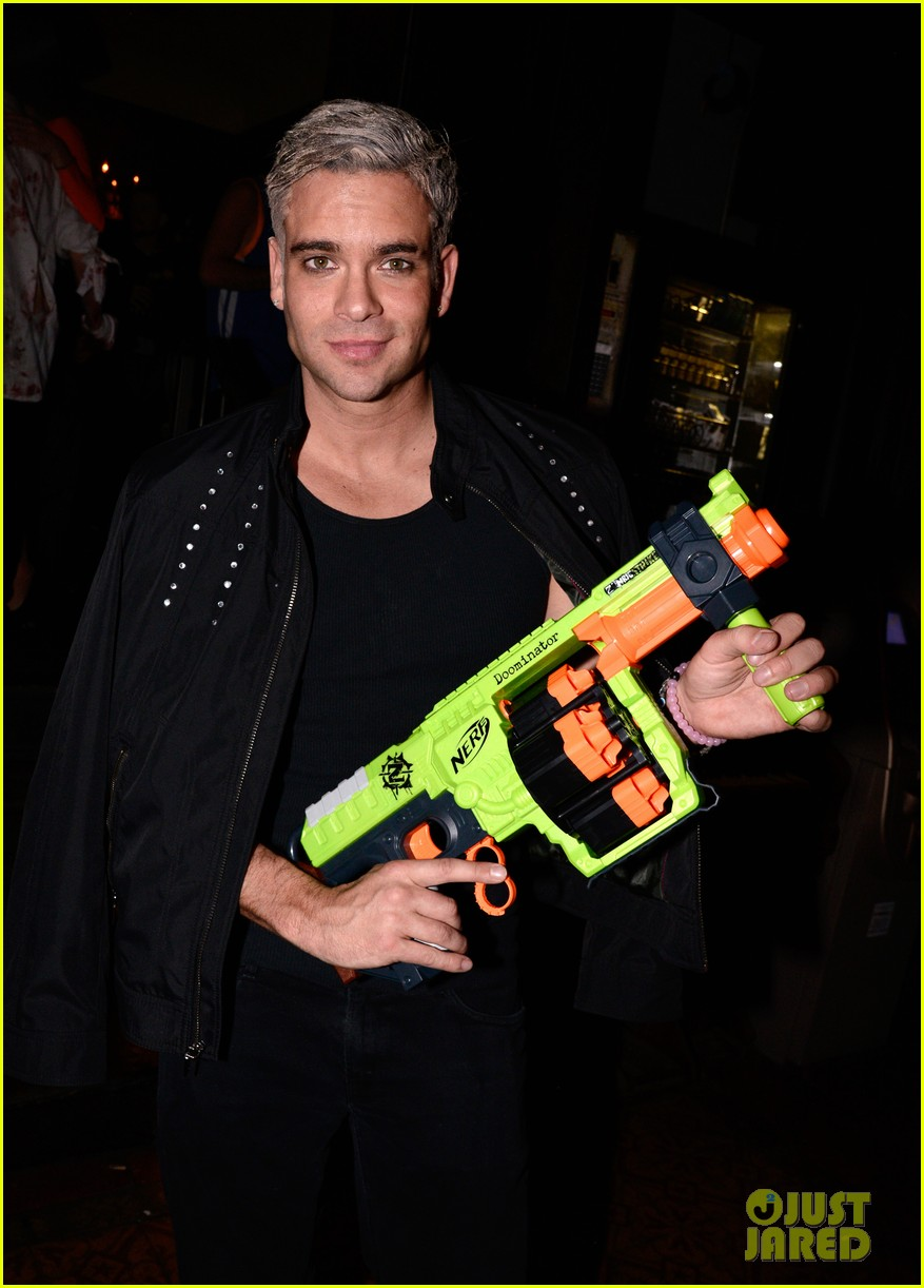 mark salling dresses as jared eng at the jj halloween party 023497068