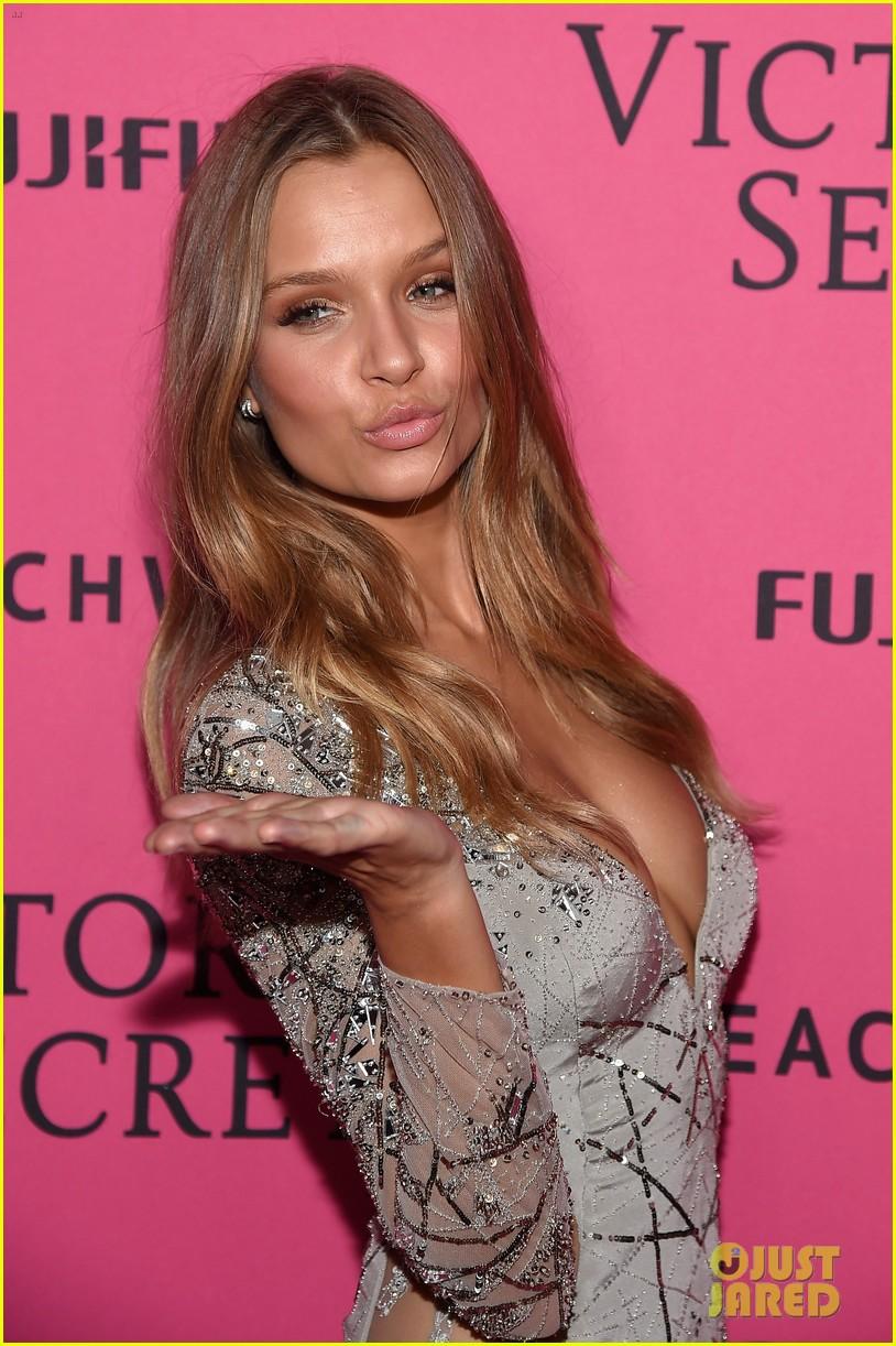 Yanet garcia vs lais deleon fap mashup high heels fap challenge sexy glamour models compilation - 5 2