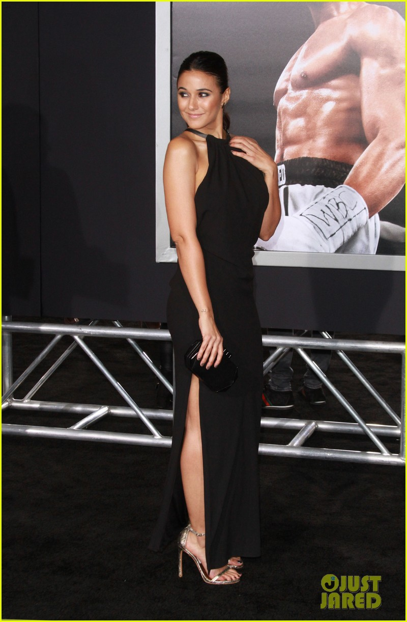 Full Sized Photo of sylvester stallone brings family to creed premiere ...