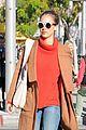 jessica alba goes shopping in coat 13