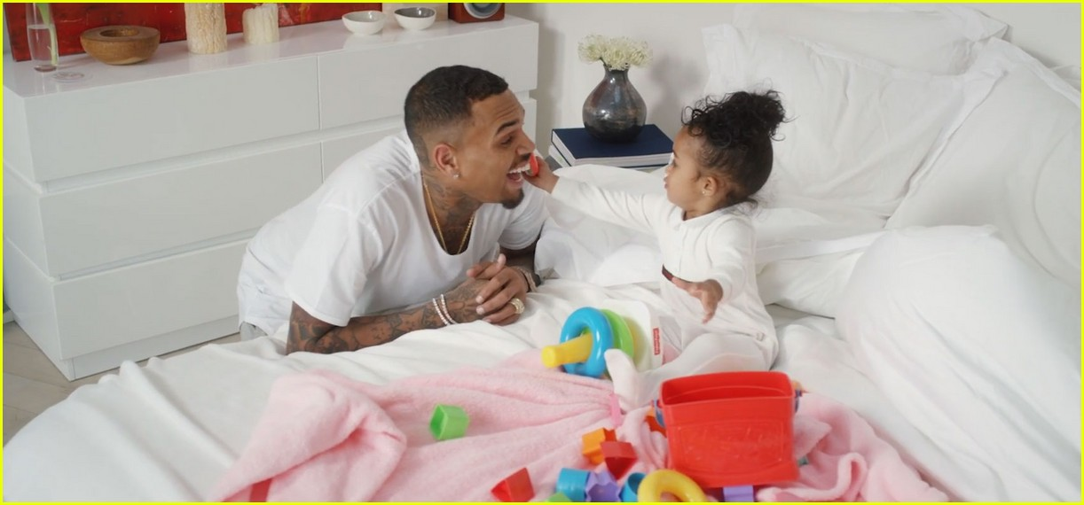 chris brown daughter - 1222×570