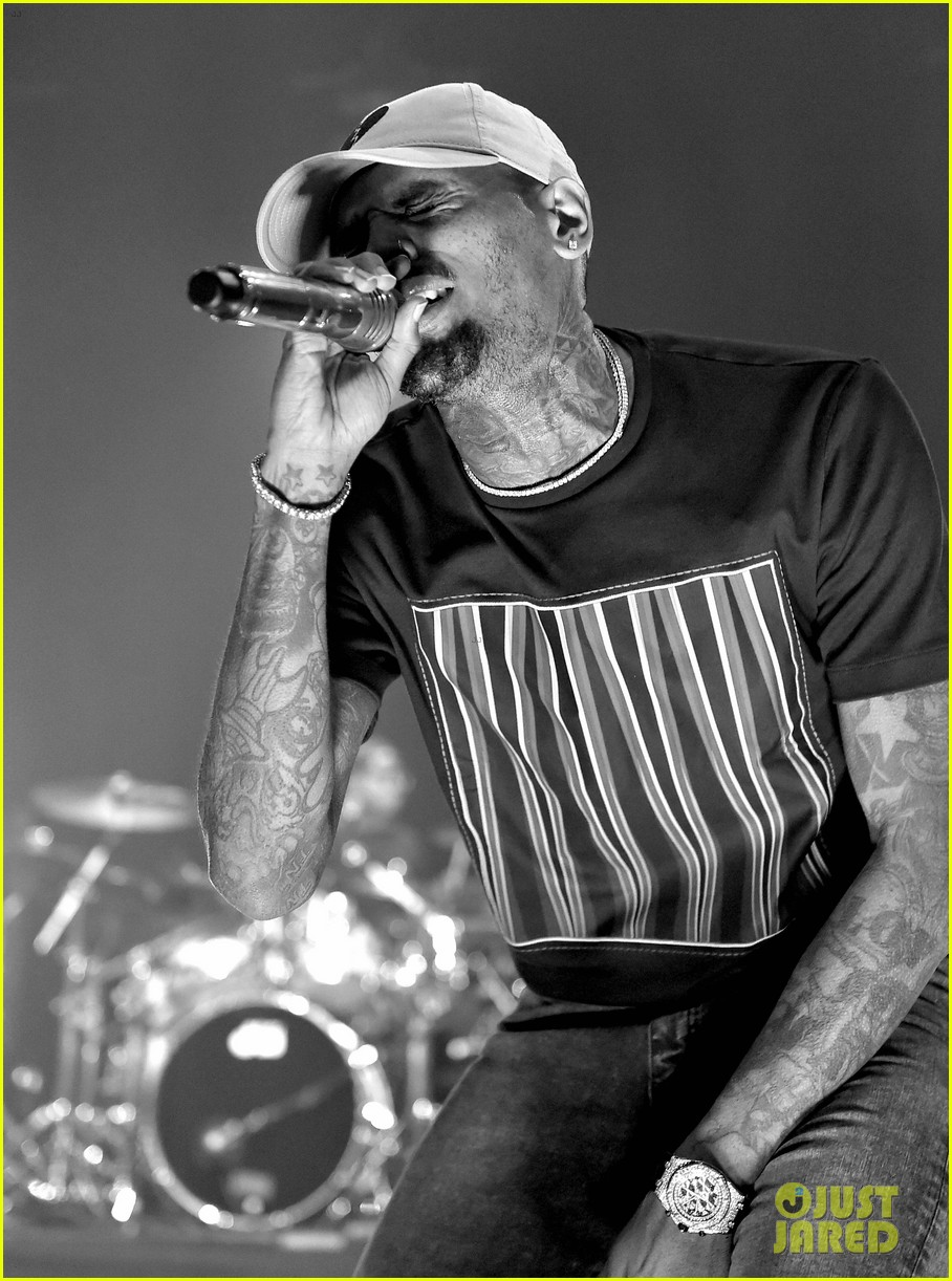 chris brown brings royalty on stage during album release concert 023534873
