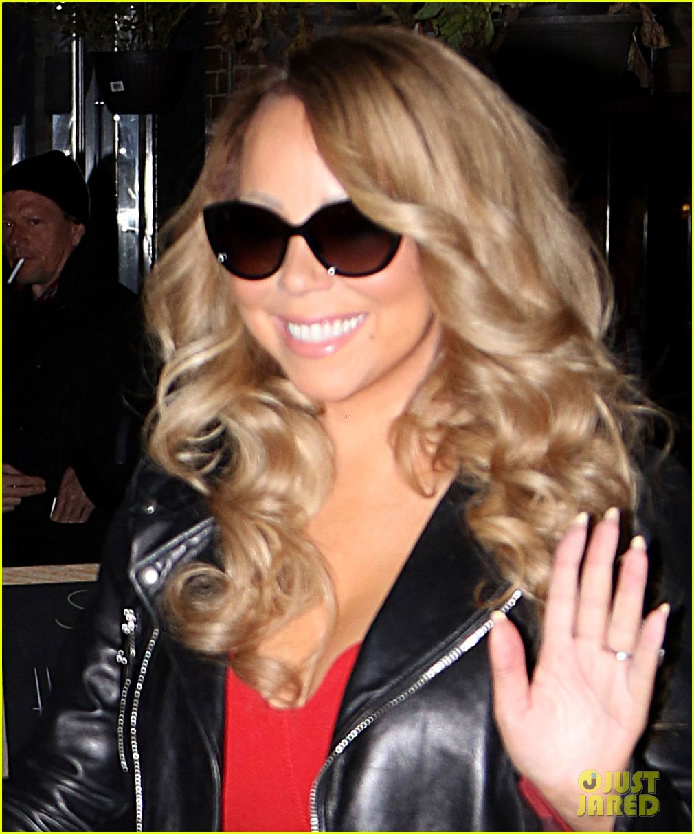 mariah carey glams up for her christmas show arrivals 073529389