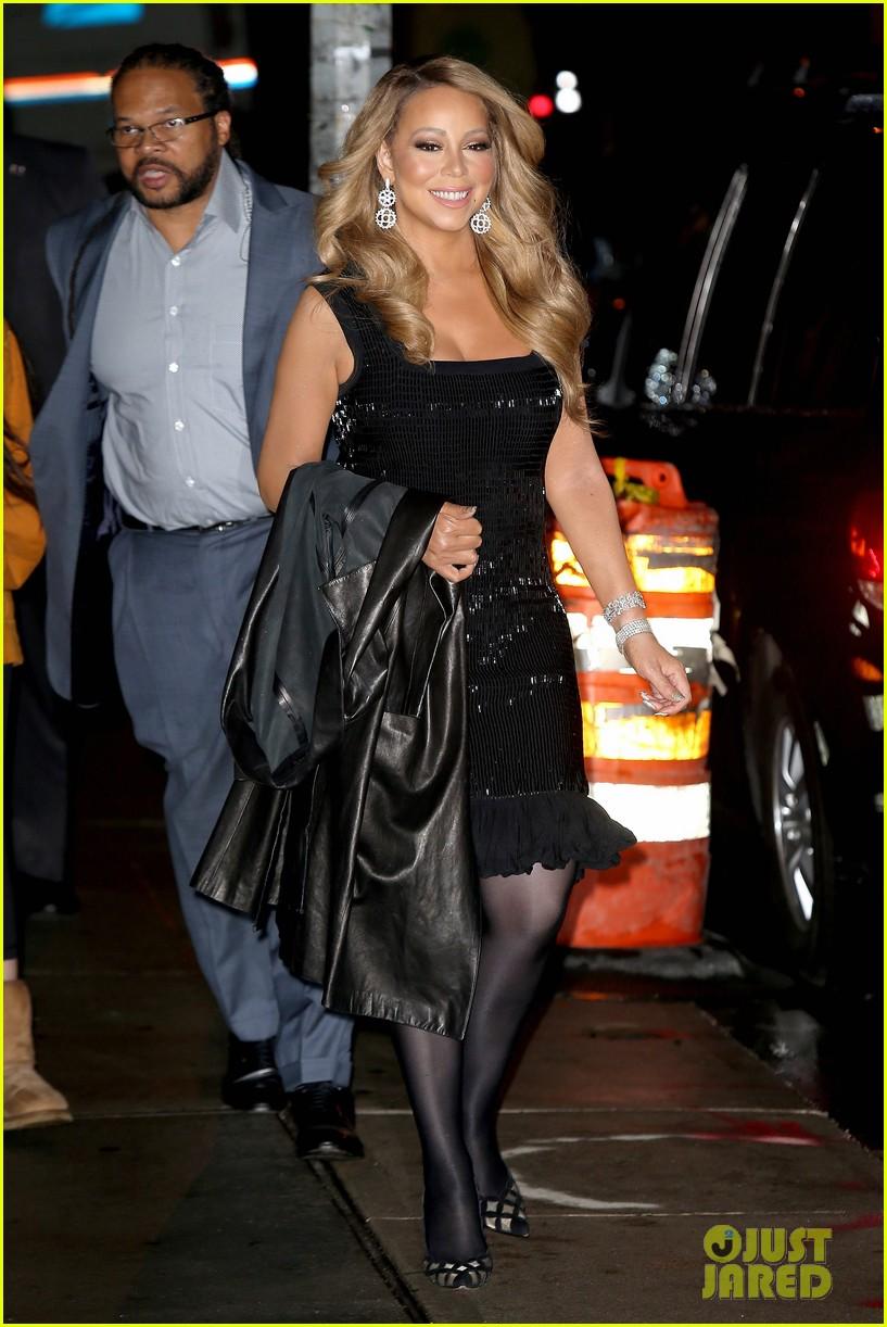 Mariah Carey Christmas Song.Mariah Carey Just Wrote A Brand New Christmas Song Photo