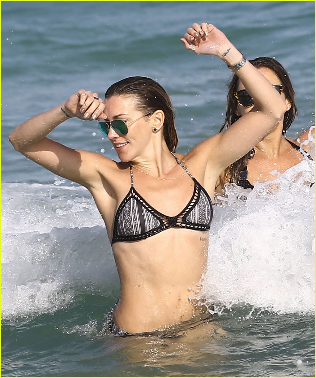 katie cassidy continues miami vacation 023538550