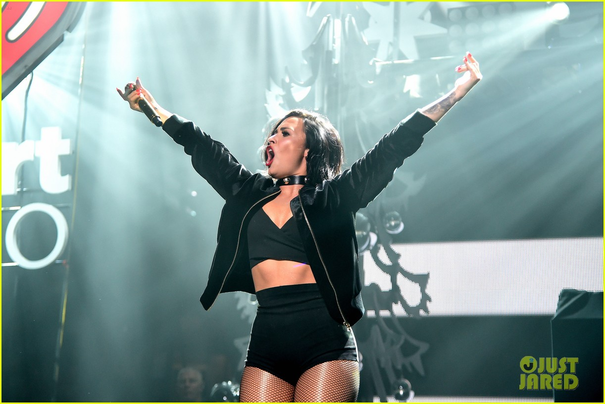 demi lovato selena gomez billboard women music jingle ball pics 133528433