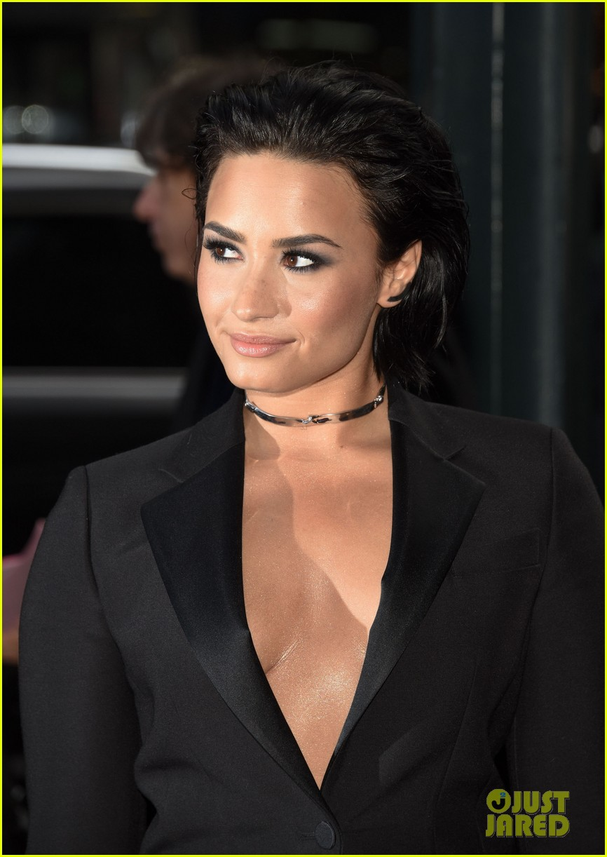 demi lovato selena gomez billboard women music jingle ball pics 283528448
