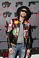 leonardo dicaprio gets vip preview of miamis art basel 2015 02