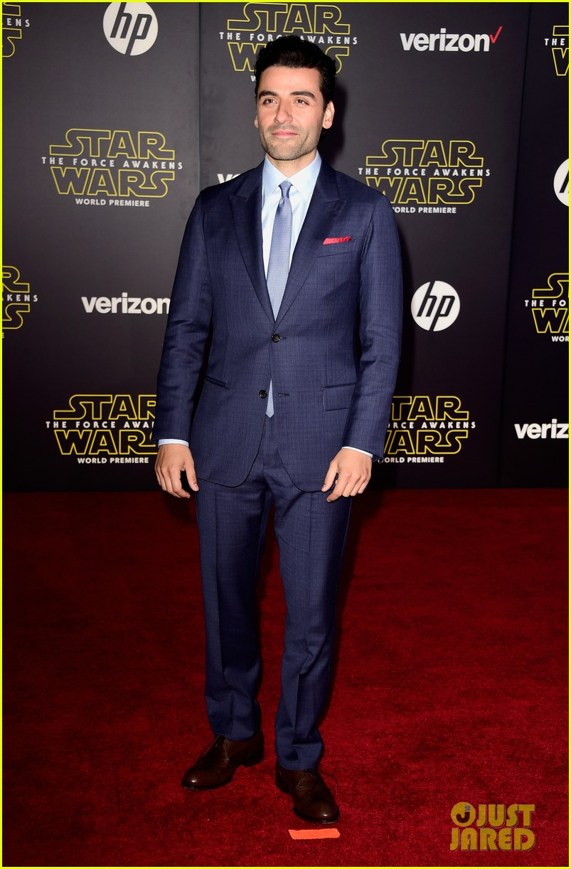 adam driver oscar isaac star wars the force awakens premiere 023531011