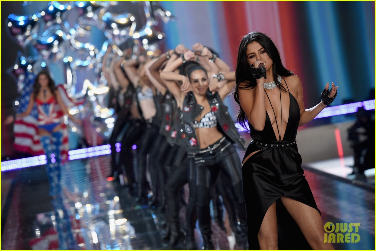 selena gomez performs at victorias secret fashion show 2015 233525690