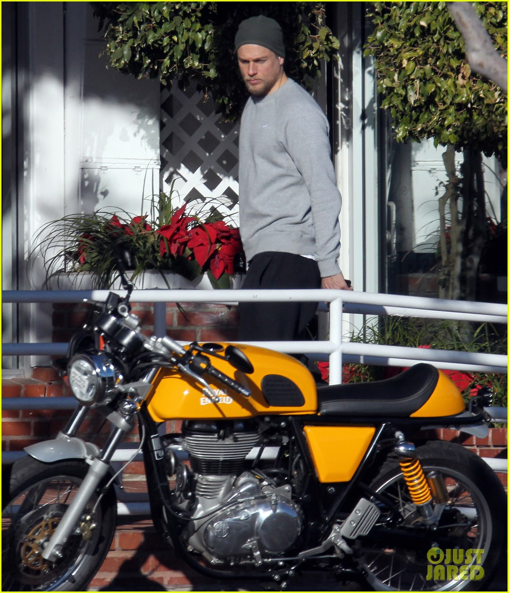 charlie hunnam goes shopping in la 013537355