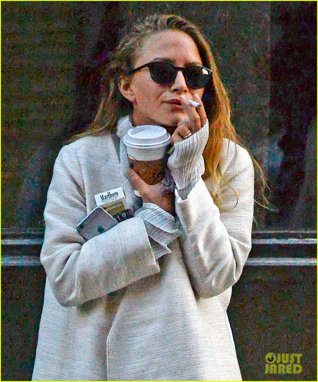 mary kate olsen wedding band photos 023526344