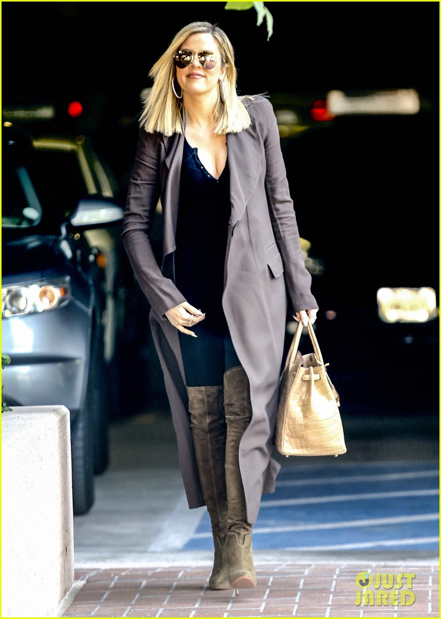 khloe kardashian heads to lawyers office after seeing lamar 013519442