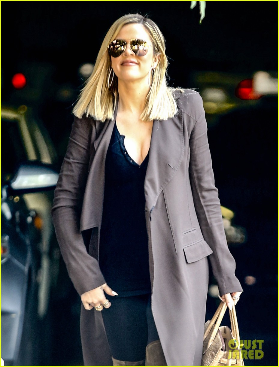 khloe kardashian heads to lawyers office after seeing lamar 023519443