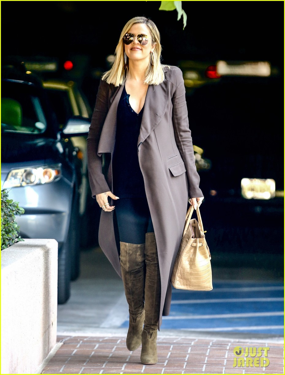 khloe kardashian heads to lawyers office after seeing lamar 063519447