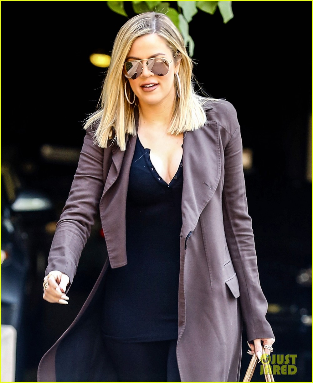 khloe kardashian heads to lawyers office after seeing lamar 073519448