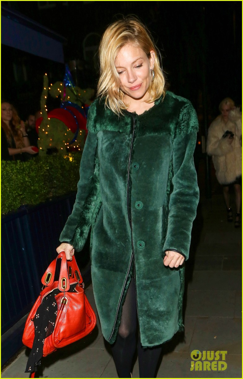 sienna miller reunites with tom sturridge hangs out with jude laws son 073534839