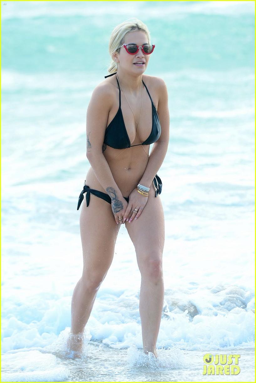 Rita Ora Avoids Bikini Mishap In Miami Beach!: Photo ...