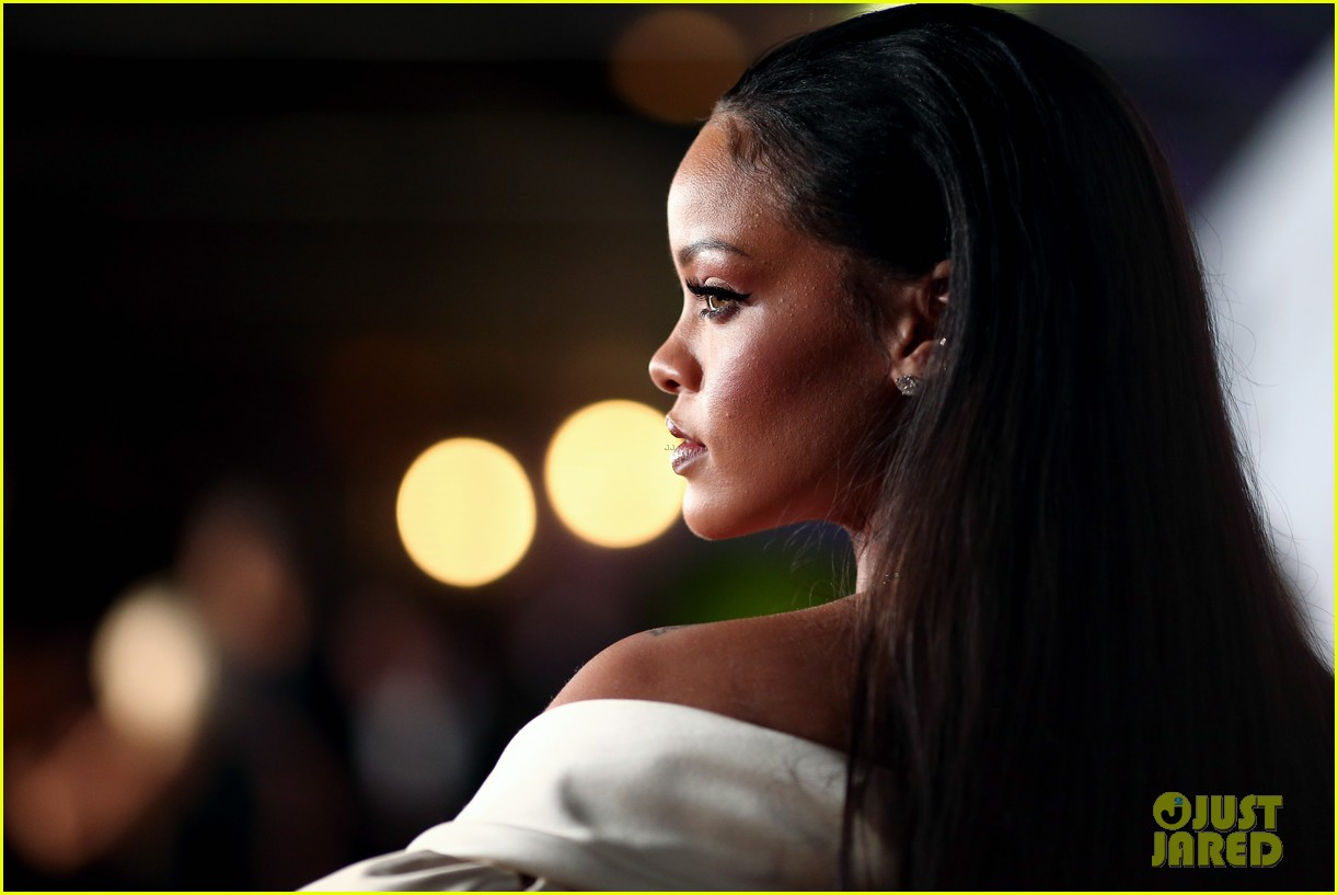 rihanna diamond ball 2015 063527752